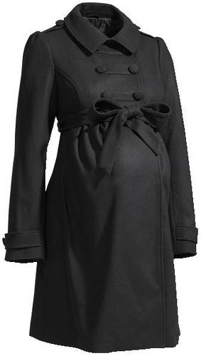 ac8599c28 La primer opción es un abrigo premamá en color negro ideal para los  momentos